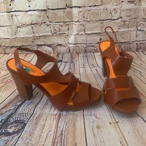 """Kenneth Cole Reaction """"dazel me"""" brown heels 8 med"""